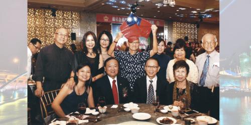 2014年雙十節宴會與張大同代表合影